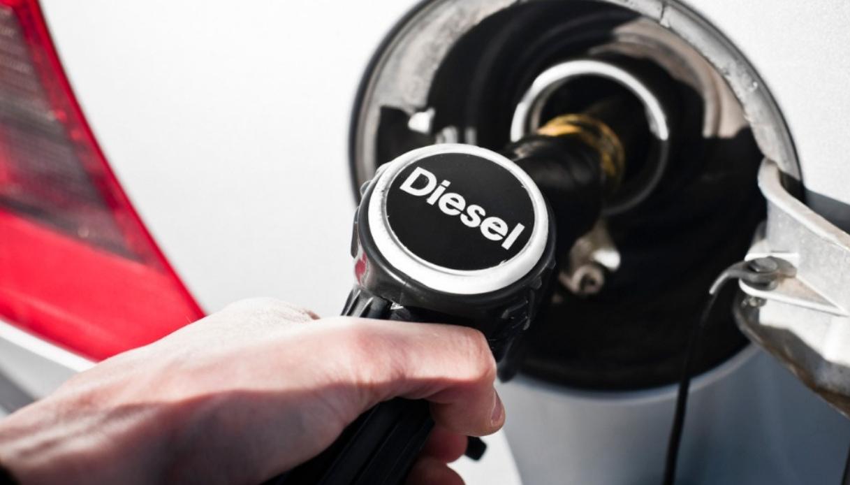 stangata diesel in arrivo
